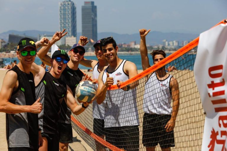 Beach Volley en la playa y presentación oficial del GP Monster Energy de Catalunya
